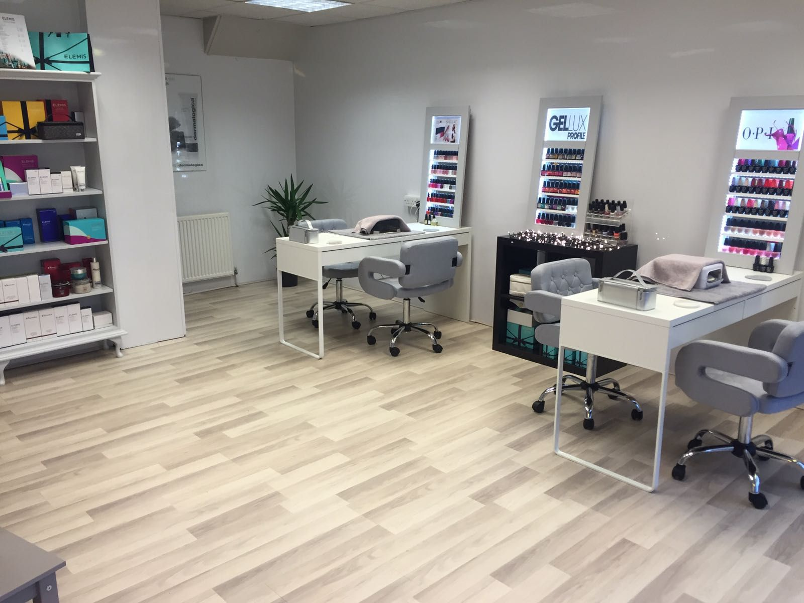 Peppermint salon Sheffield UK Nail salons interior design