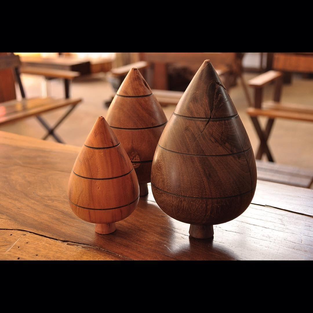 Divina novidade !! Peões de mesa decorativos feitos com madeiras de demolição !! #divinasgerais #instagerais #woodwork #woodesign #designlife #designoftheday #designwork #homedecor #homedesign #casacor #casavogue #casaclaudia #casabrasileira #lúdico #casaejardim #interiores #objetosdearte #arteemfoco #fotoempauta #guia4rodas #institutoestradareal #estradareal #viajemais #minasgerais #Brasil de divinasgerais