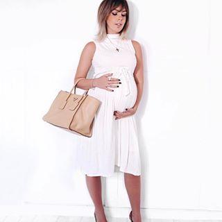 Um look para gestante estiloso, confortável e que facilita a amamentação. Conjunto Bruna: saia + cropped!