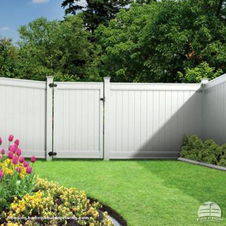 Traditional White Privacy Fence In Low Maintenance Vinyl Freedom Fencing Built By Barrette And Manufactured Vinyl Fence Vinyl Fence Panels Vinyl Privacy Fence