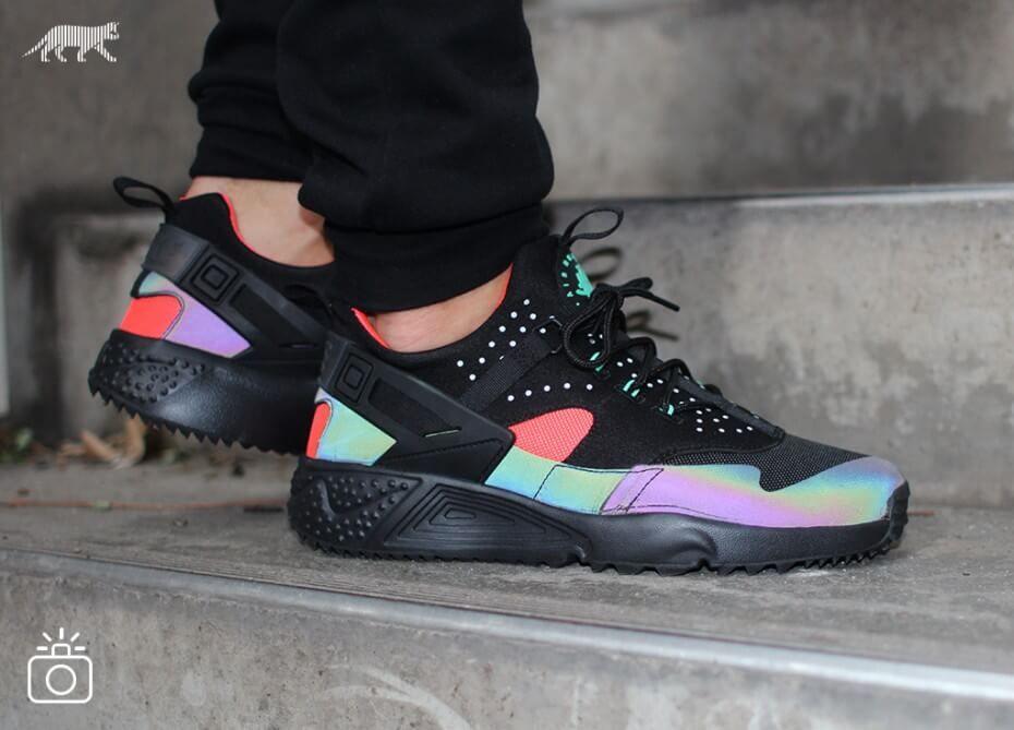 more photos e1f82 a4ef2 Nike Air Huarache Utility Black Iridescent | Sneakers Addicted ...