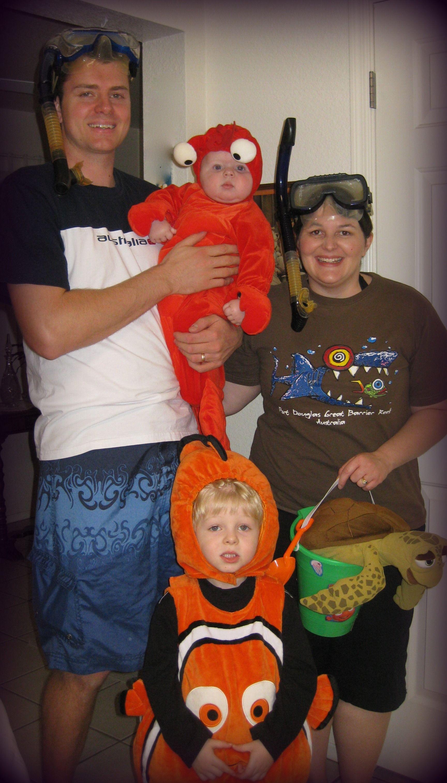 Family Halloween Costumes Snorkeling Theme  sc 1 st  Pinterest & Family Halloween Costumes: Snorkeling Theme | Halloween costumes ...