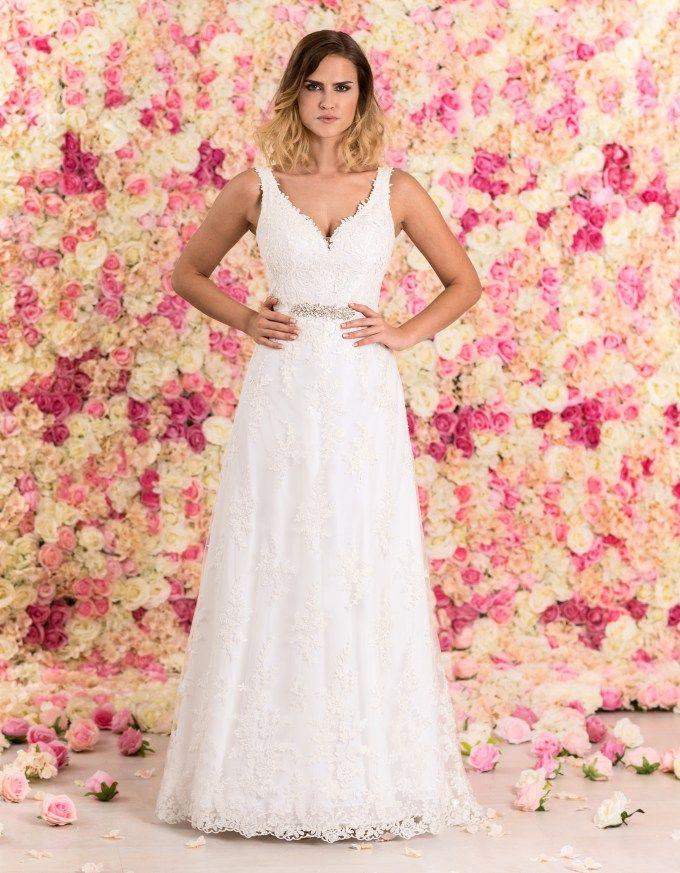 Brautkleid lang aus Spitze mit Schleppe von vorne # ...