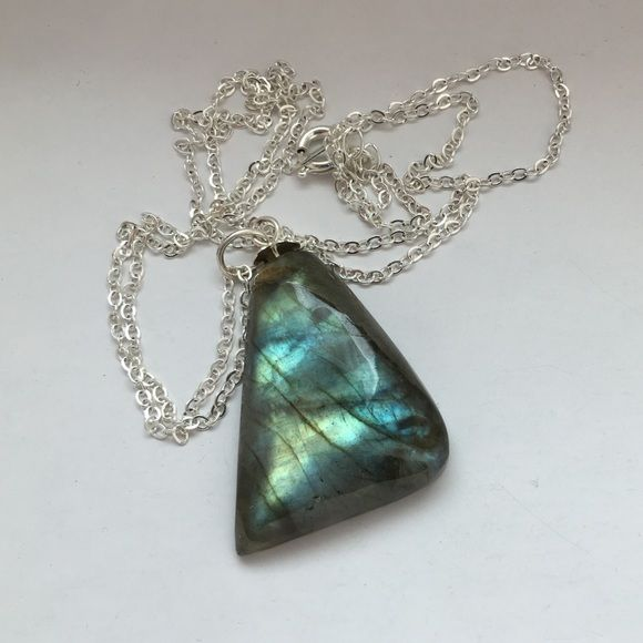 Labradorite Crystal Necklace Beautiful Labradorite Crystal Necklace on an 18K gold plated chain. Jewelry Necklaces
