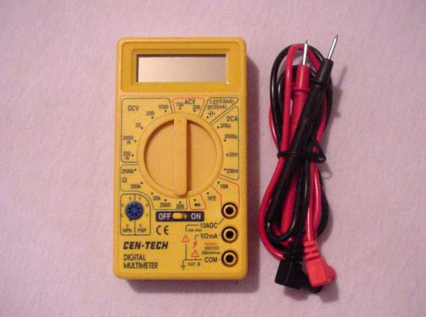 How To Check Aa Aaa Alkaline Battery Using A Voltmeter Alkaline Battery Multimeter Battery