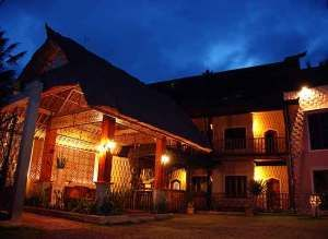 Junjungan Ubud Hotel entree