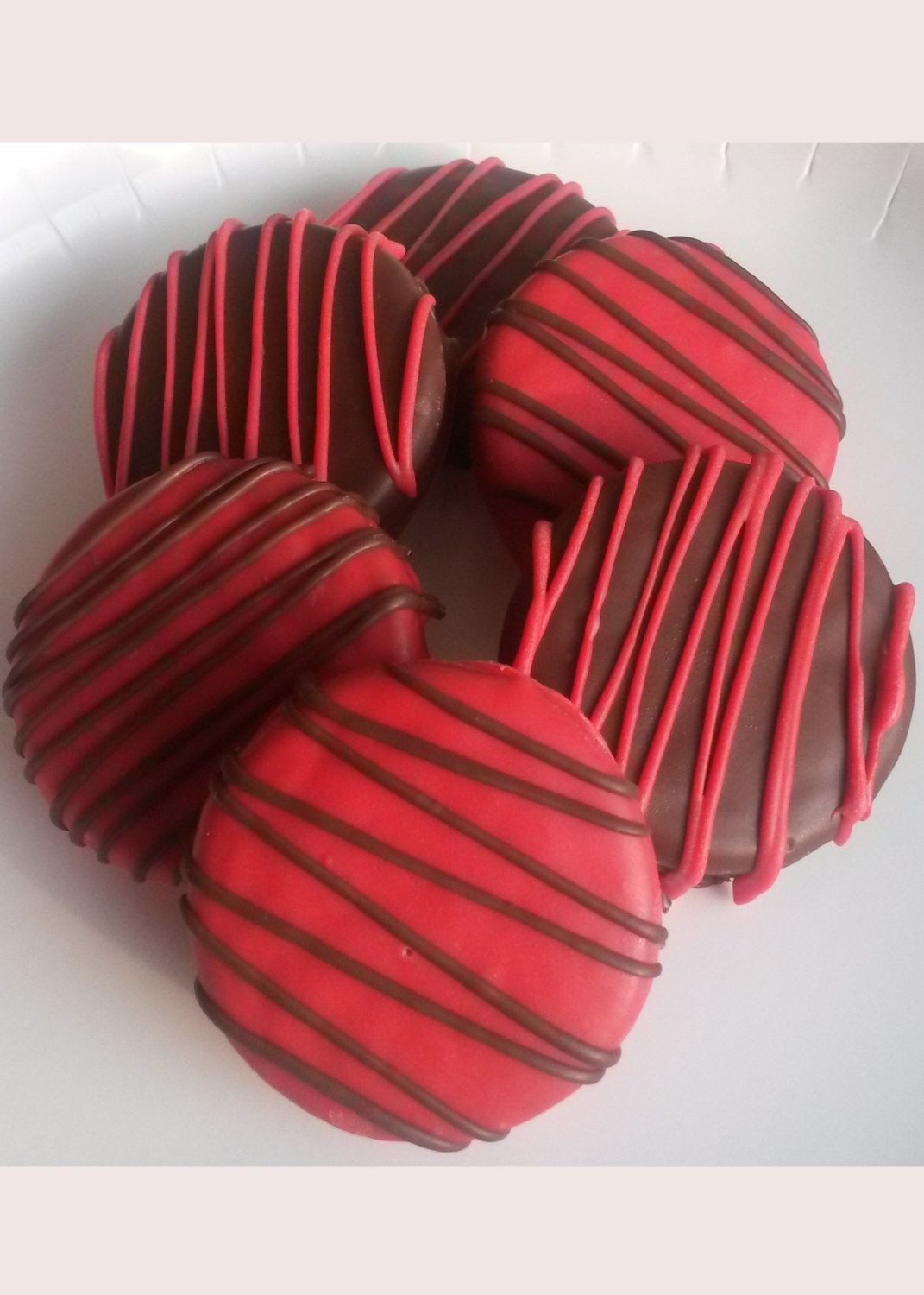 12 Red and Black Chocolate Covered Oreo Cookies - White and Milk ...