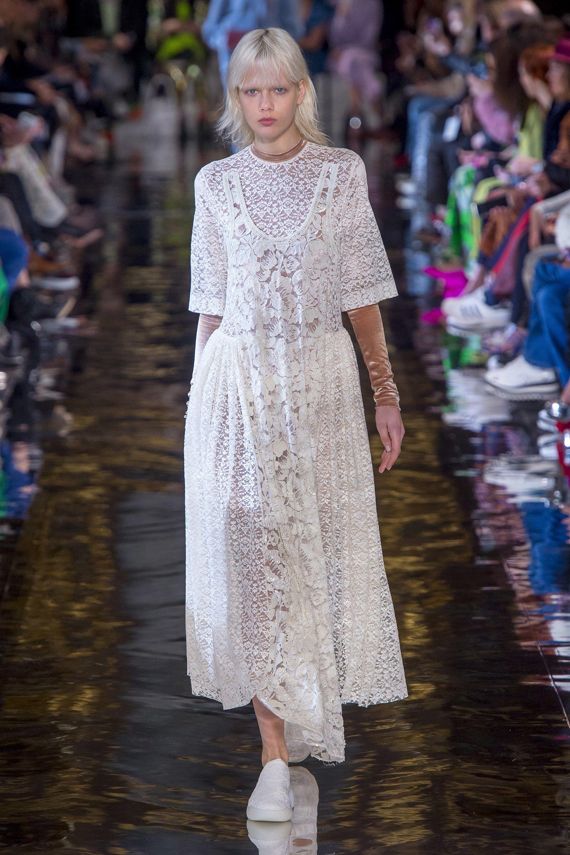 Stella McCartney Fall 2018 Ready-to-Wear Fashion Show | FALL