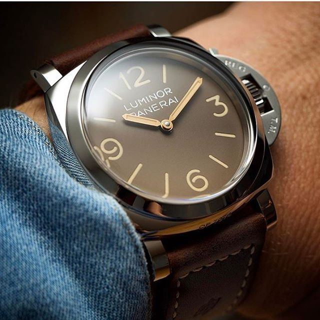 """Gefällt 5,466 Mal, 31 Kommentare - Officine Panerai (@panerai) auf Instagram: """"The dial colour of the Luminor 1950 3 Days PAM663 recalls the history associated with the…"""""""