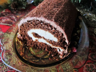 Vegan Yule Log Cake with Chestnut Cream Filling