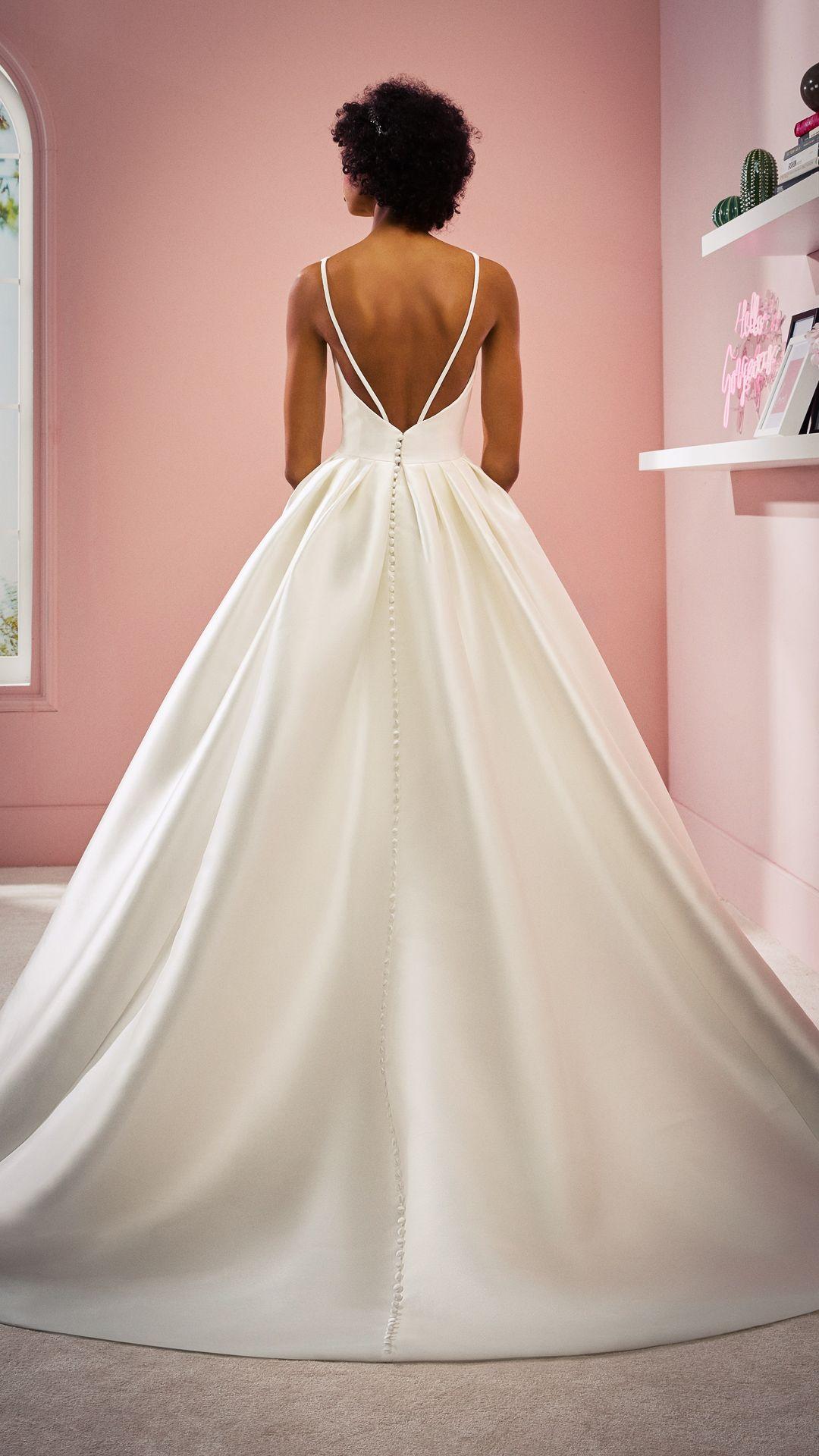 Hochzeitskleider 20 White One Kollektion Modell: VANESSA-C