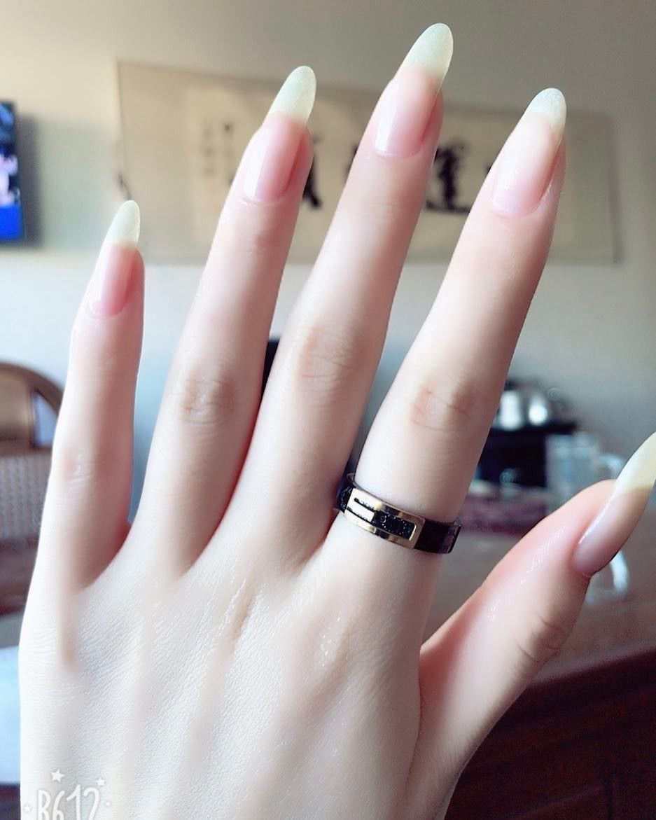 Omg So Beautiful I Wish They Were Pointed But That S Why They Re Not My Hands Lol Long Natural Nails Natural Nails Trendy Nails