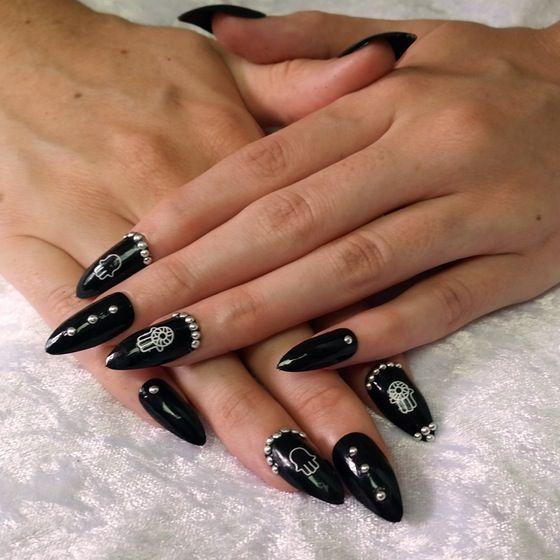 Rhea manicure set. Edgy nails to match any look! #manicure #nails #nailart #hamas #handoffatima #blackmani #blacknails #goth #witch #occult #beauty #silver #naildesigns #naildesign