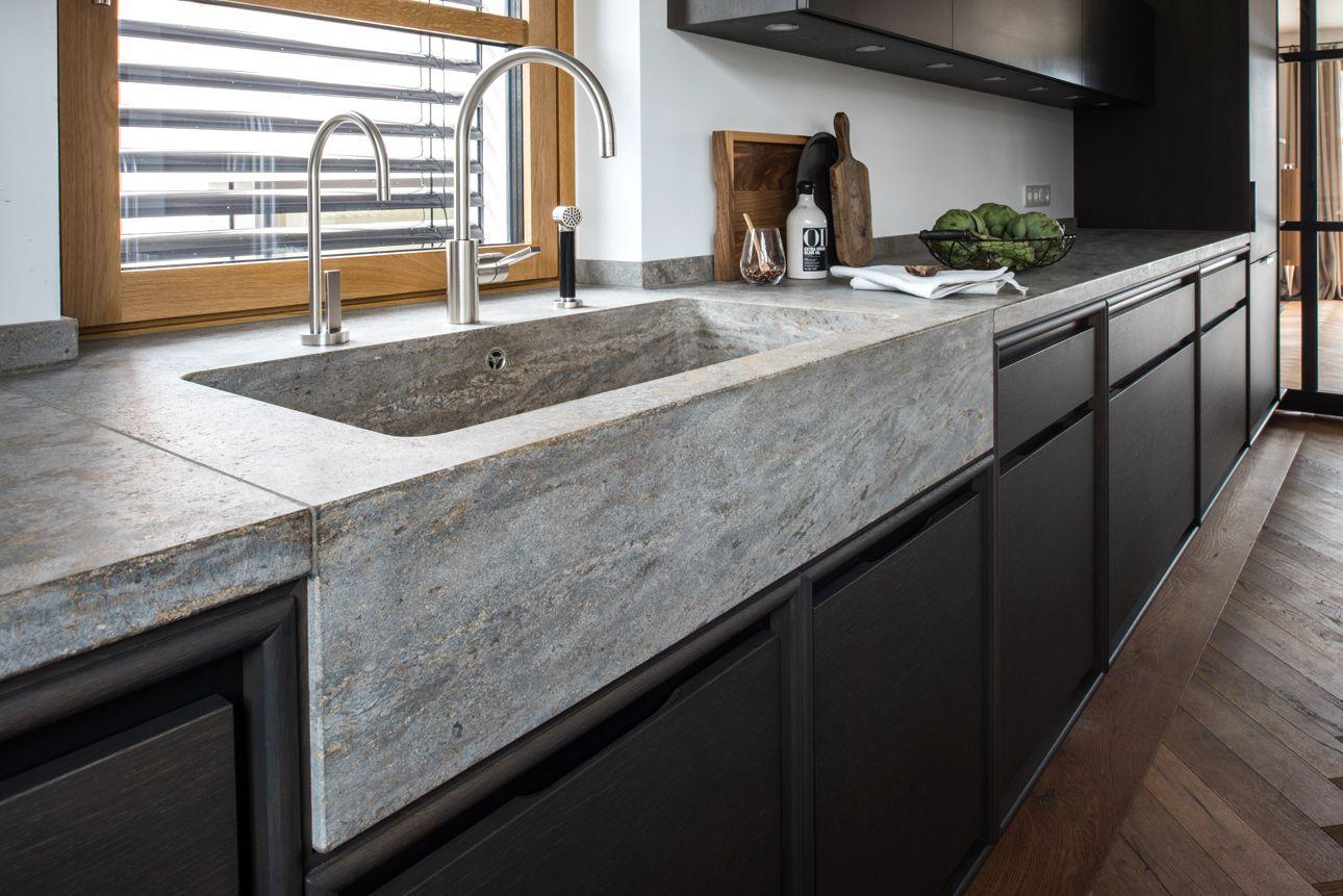 Stein in der Küche  Küche naturstein, Arbeitsplatte küche