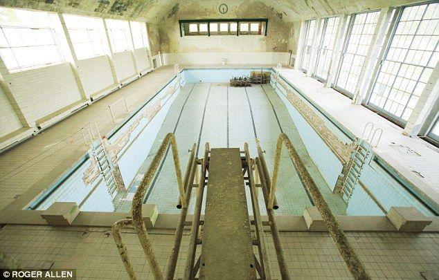 1940u0027s Berlin Olympics Swimming Pool.
