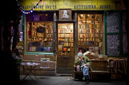 Bookstore 'Shakespeare & Cie.' Paris/France --- Street view