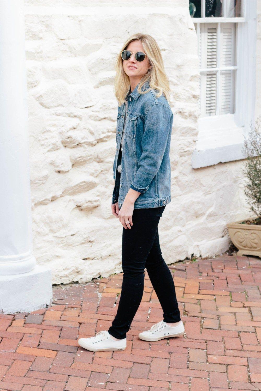 cac8e01afb7 The Oversized Denim Jacket + 5 Ways to Wear it | Kristin's Style ...