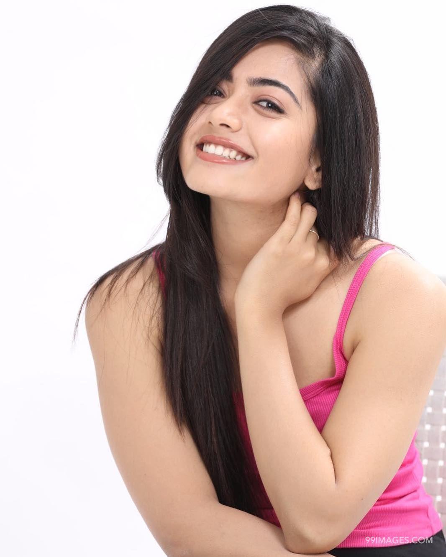 Rashmika Mandanna Beautiful Hd Photos Mobile Wallpapers Hd Android Iphone 1080p Hd Wallpapers For Mobile Hd Photos Actress Photos