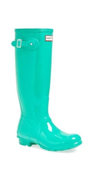 Spring puddle jumper: Mint Hunter boots. | Zapatos verde