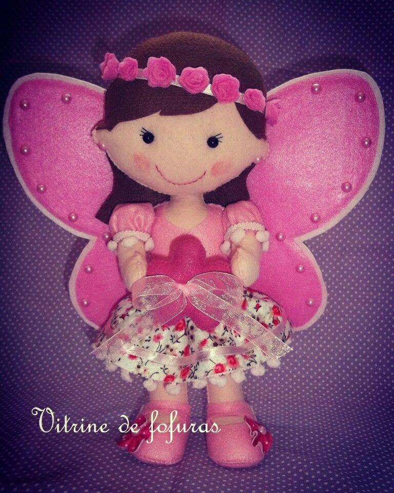 Menina borboleta de feltro. Porta alianças para um lindo casamento.
