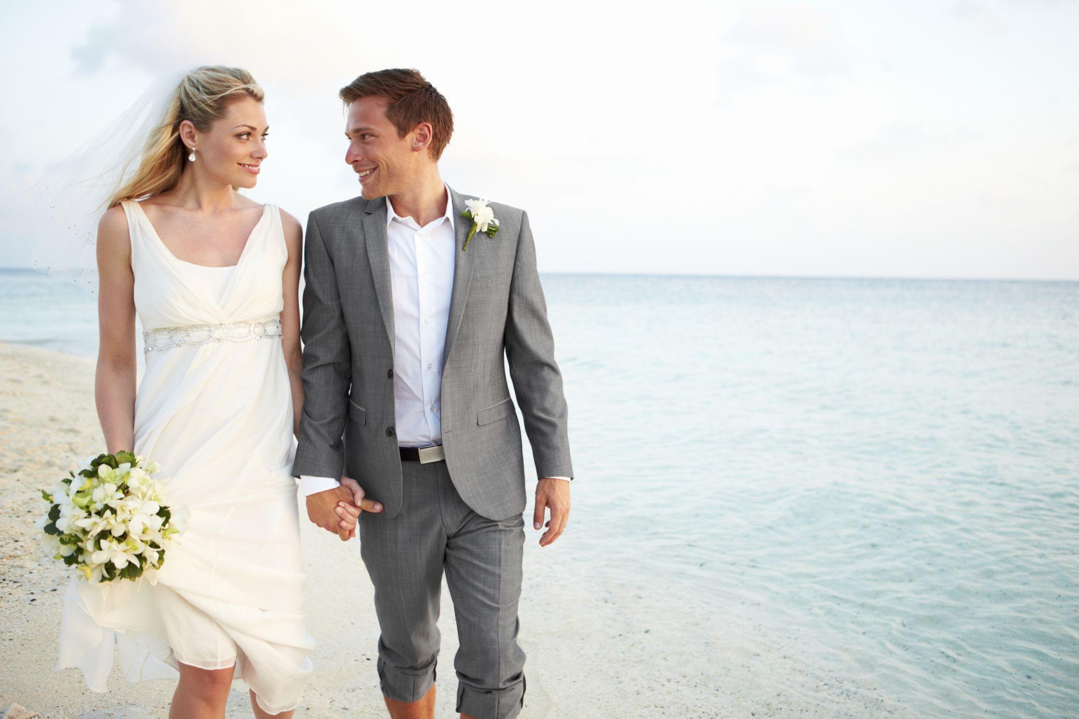 Mens Casual Beach Wedding Attire 2122x1415