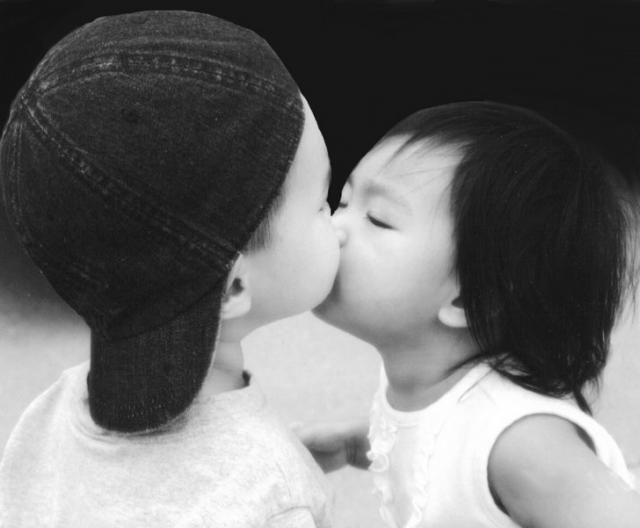 Two Asian Babies Kissing Pic Asian Babies Baby Kiss Future Baby