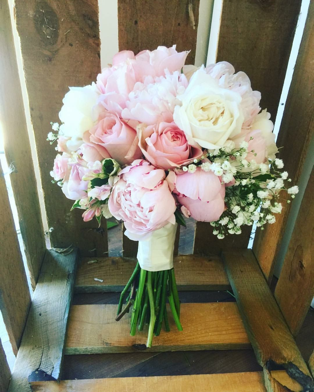 White And Pink Brides Bouquet Peonies David Austin Roses Rustic Boho