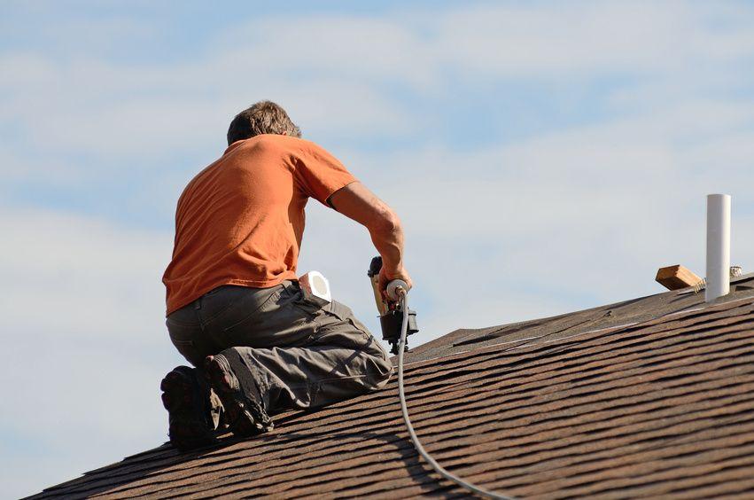 Pin Von Evergreen Renovations Roofin Auf Images Evergreen Renovations Roofing Dachdecker