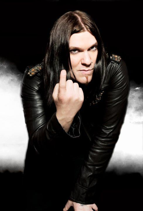 Brent Smith from Shinedown. I ain't gonna lie...I find this attractive.