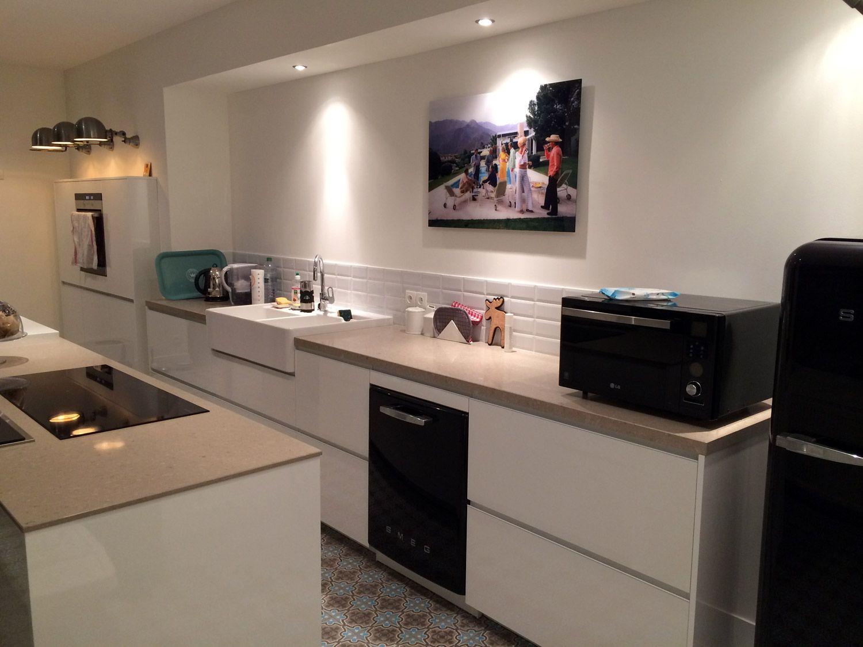 cuisine dans maison ancienne plans de travail en pierre timbre d 39 office villeroy boch sol en. Black Bedroom Furniture Sets. Home Design Ideas