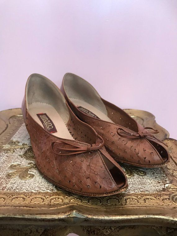 7a3aad1833672a 1970s shoes bandolino shoes peep toe shoes size 6 1 2 vintage shoes 1970s  wedges vintage wedges ital