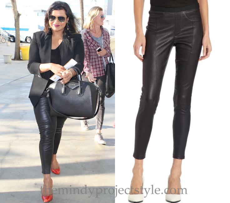 Mindy Kaling wears seamed leather leggings with a black blazer ... 1189d37377665