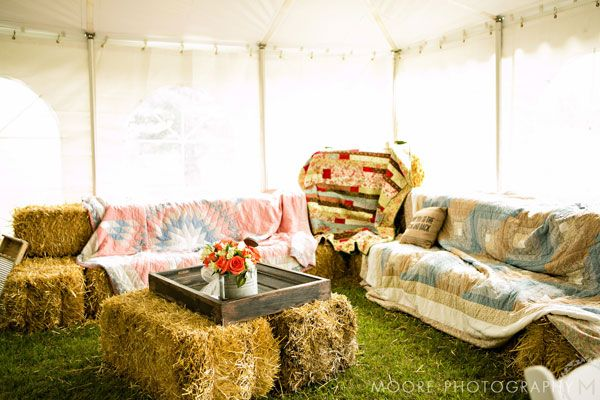 Cute hay bale seating lounge for wedding guests! Country ...