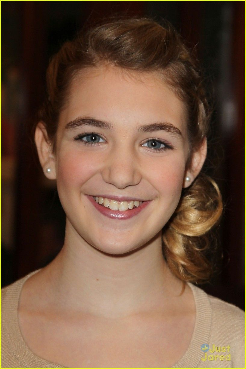 sophie nelisse 5 by - photo #25