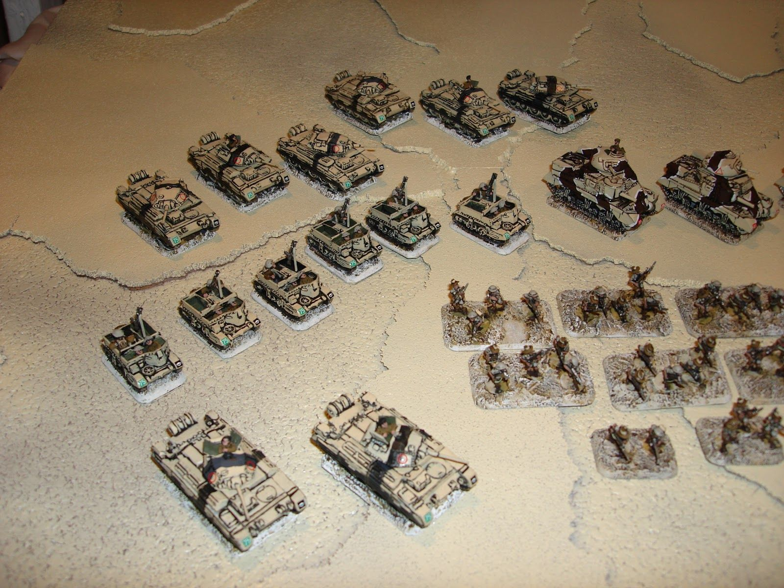 Covering Fire!: FOW Aussies Finished notice the 6 bren gun carriers with mortars!