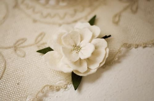 Gardenia hairpin