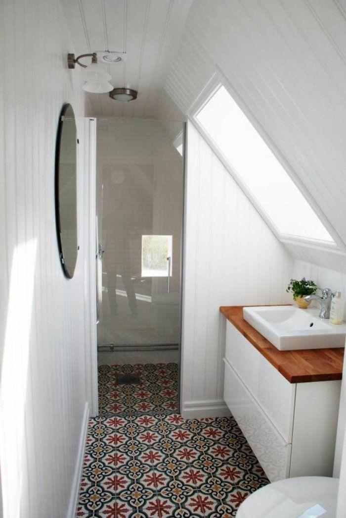 kleines Bad auf dem Dachgeschoss Glaswand Mosaik Bodenbelag herrlich ...