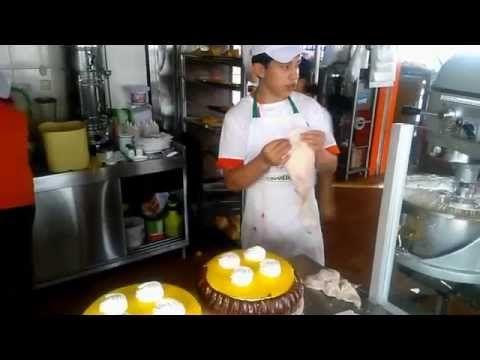 Vicente Mora tortas frias Decoracion - YouTube