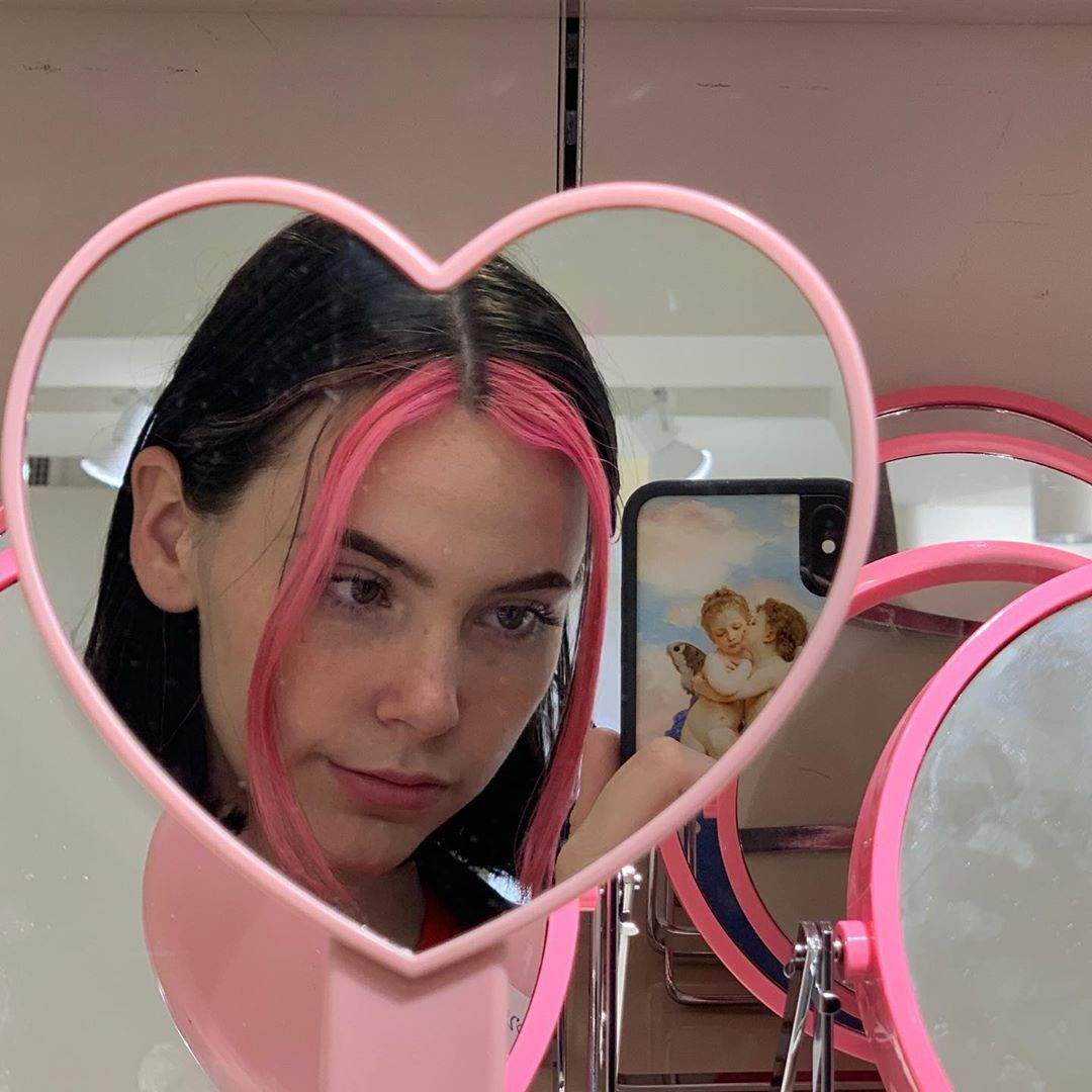 Egirl Hair Pink Streaks Hair Streaks Hair Color Streaks Aesthetic Hair