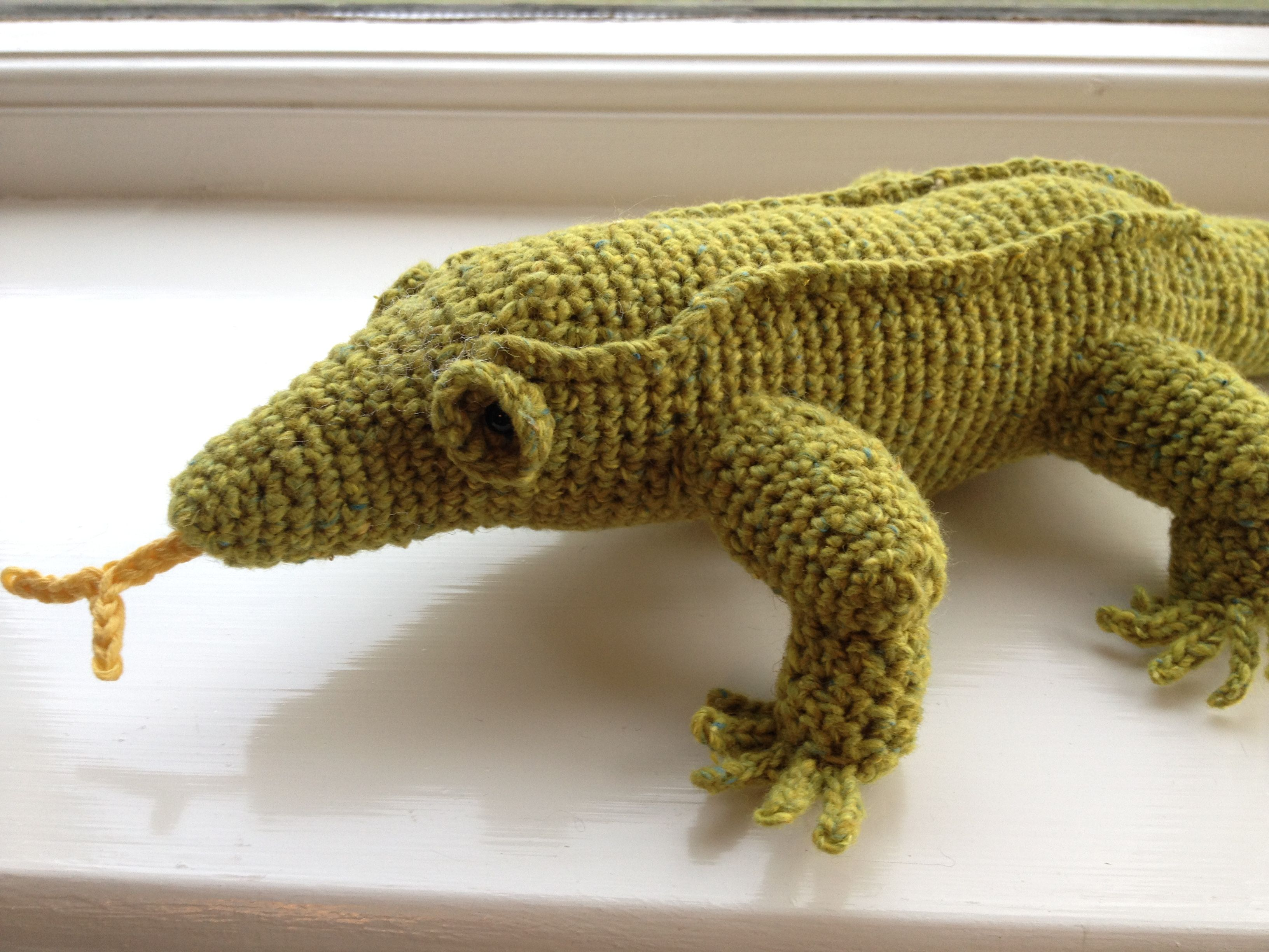 A great crested gecko and a cat | Geckos, Crested gecko and Crochet