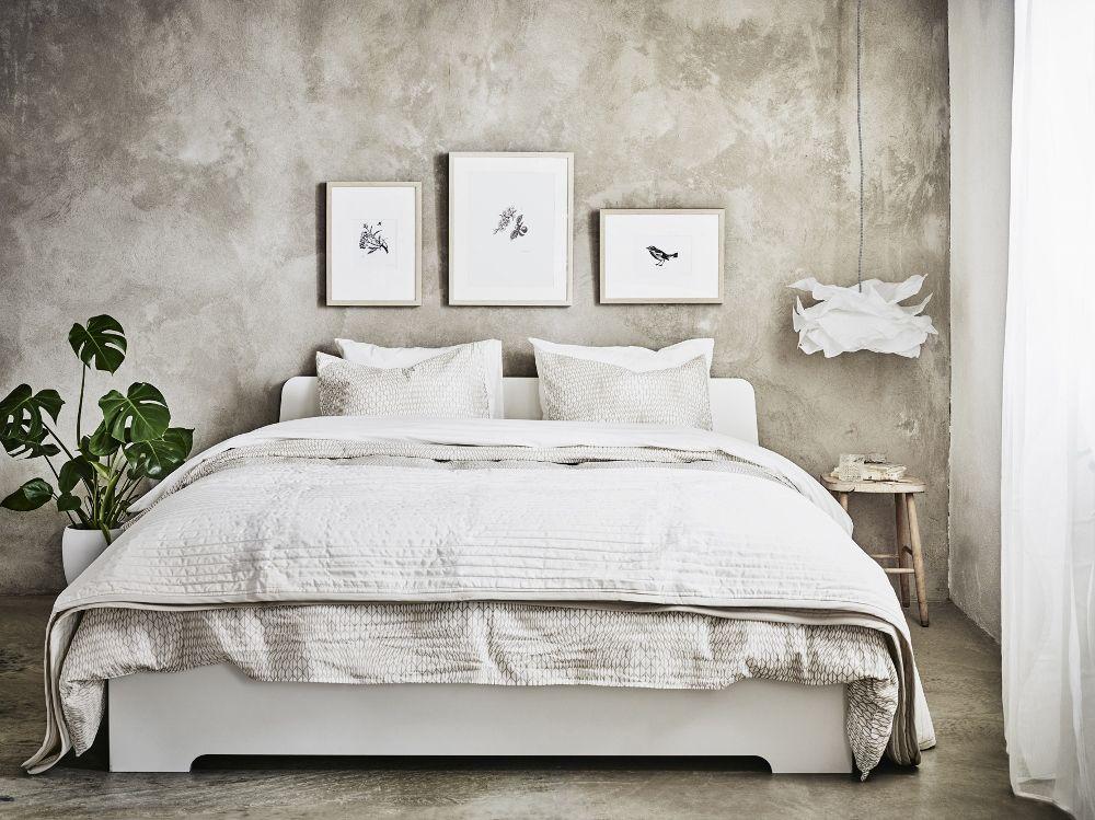 Slaapkamer met Oosterse invloeden - IKEA bed ASKVOLL #ikea #bedroom ...