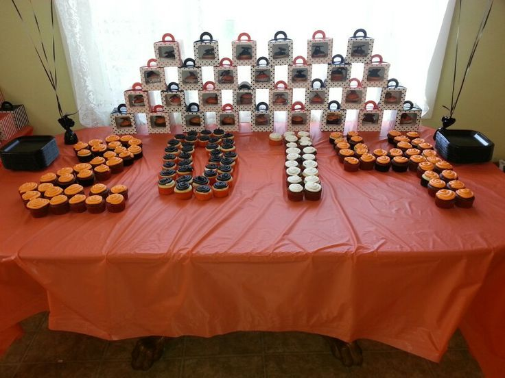 Graduation Table Ideas find this pin and more on graduation party ideas 8th Grade Graduation Table Decoration Ideas Photograph Gra