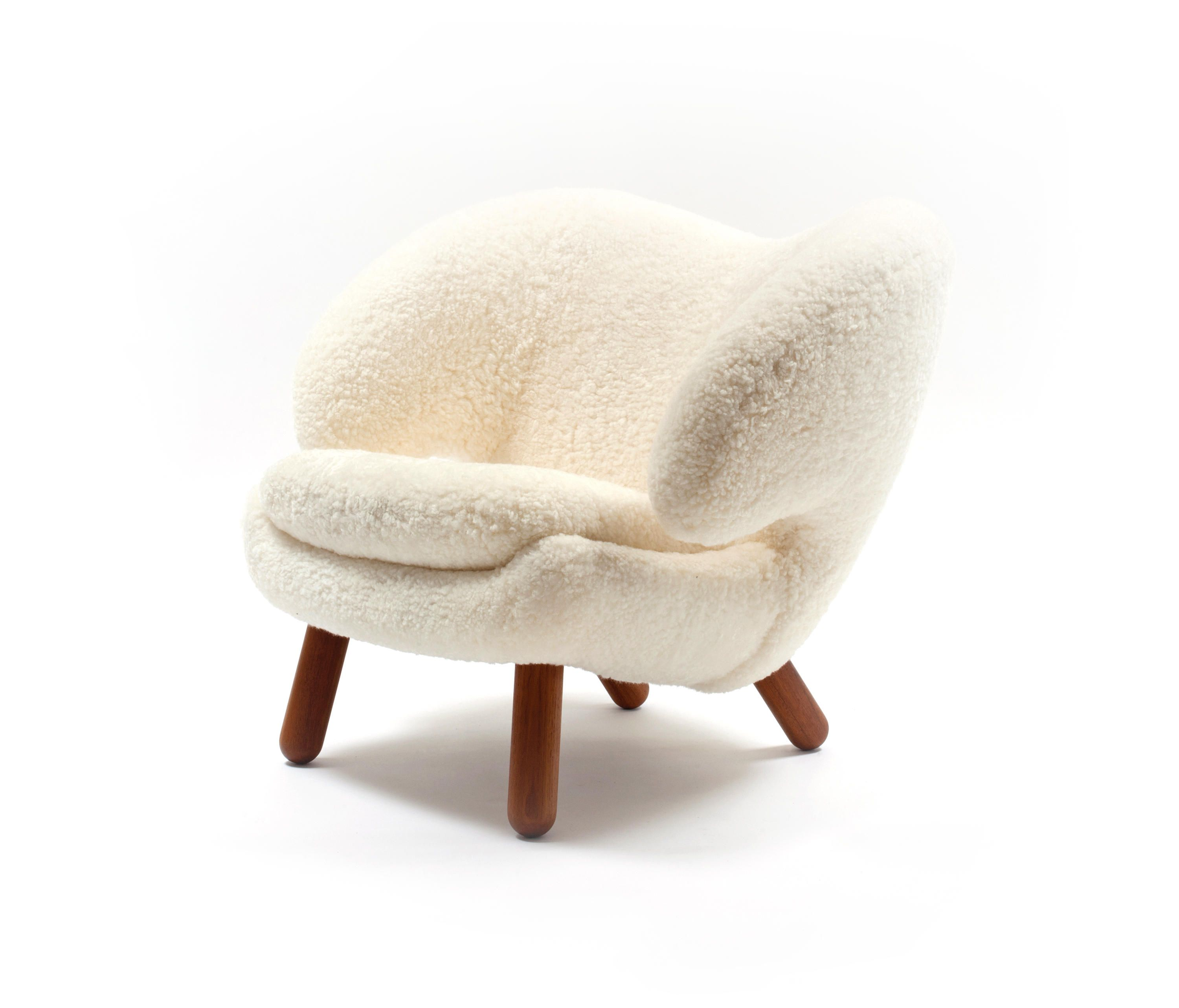 Pelican Chair Armchairs From House Of Finn Juhl Onecollection Architonic Comfy Chairs Chairs Armchairs Chair