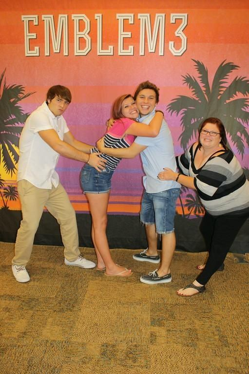 Meet and greet with e3 emblem3 wesleystromberg keatonstromberg meet and greet with e3 emblem3 wesleystromberg keatonstromberg meetandgreet mg m4hsunfo