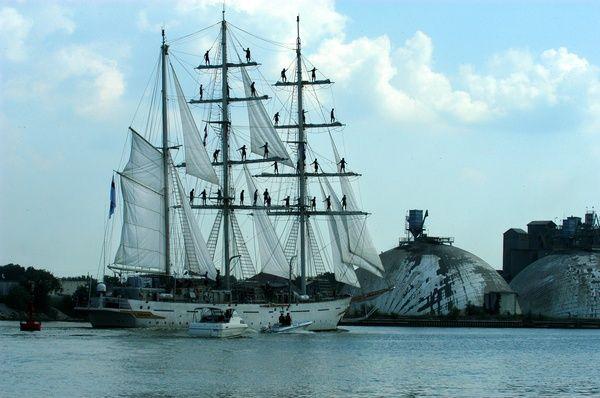 Tall Ships... Bay City Mi http://bit.ly/HdqS52