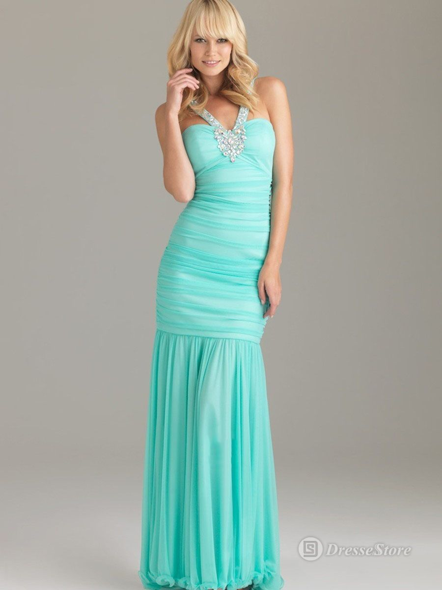 okay i need to find this dress in crimson or candy apple red! :D ...