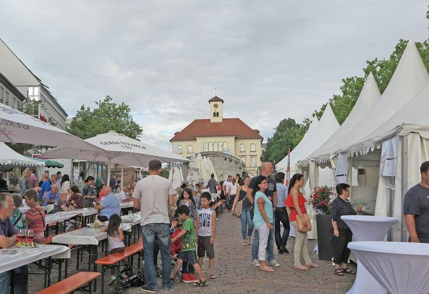 August: Sindelfinger Schlemmermarkt