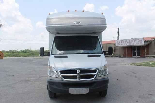 2010 Used Fleetwood Pulse 24S CSA Slide Diesel Class B in Texas TX