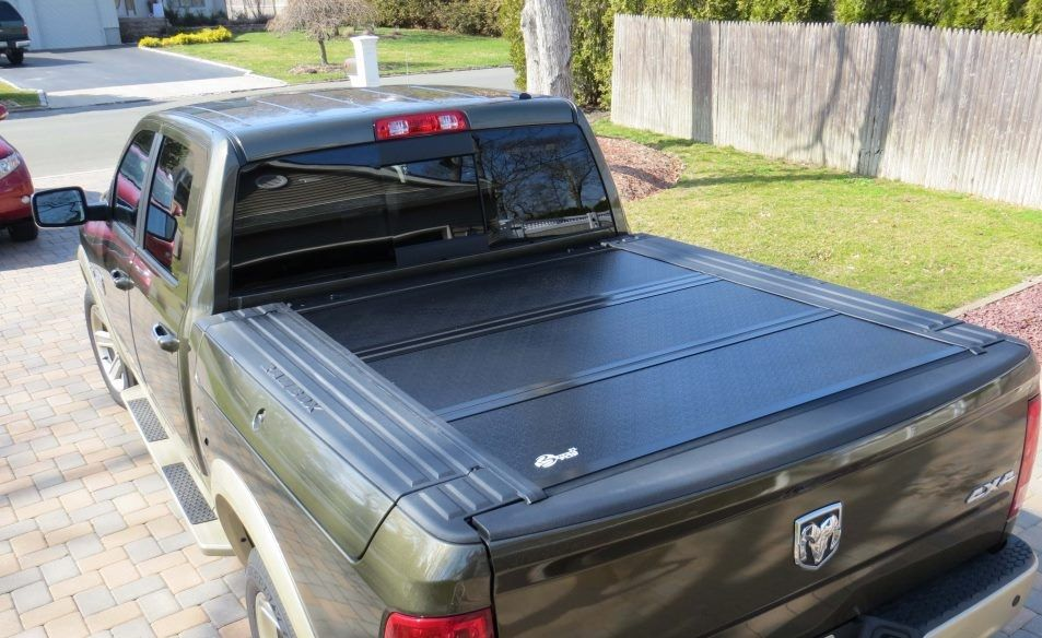 Bak Bakflip F1 Folding Tonneau Cover 200912 Dodge RAM