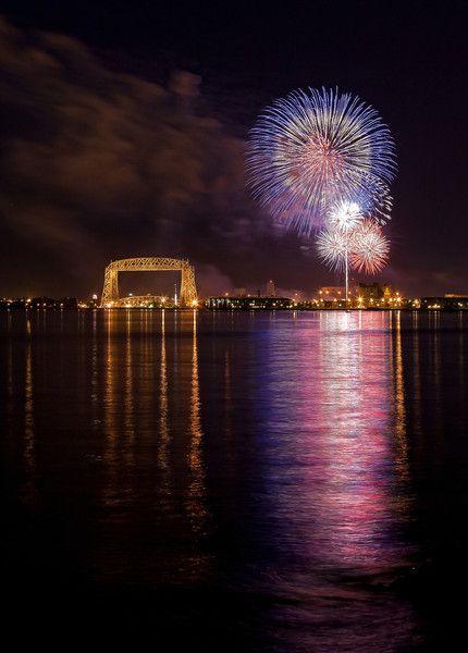 duluth minnesota | Duluth, MN Fireworks display over Lake Superior - Canon Digital ...